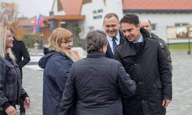 Opinion in Die Presse: Jobbik's transition into people party is genuine