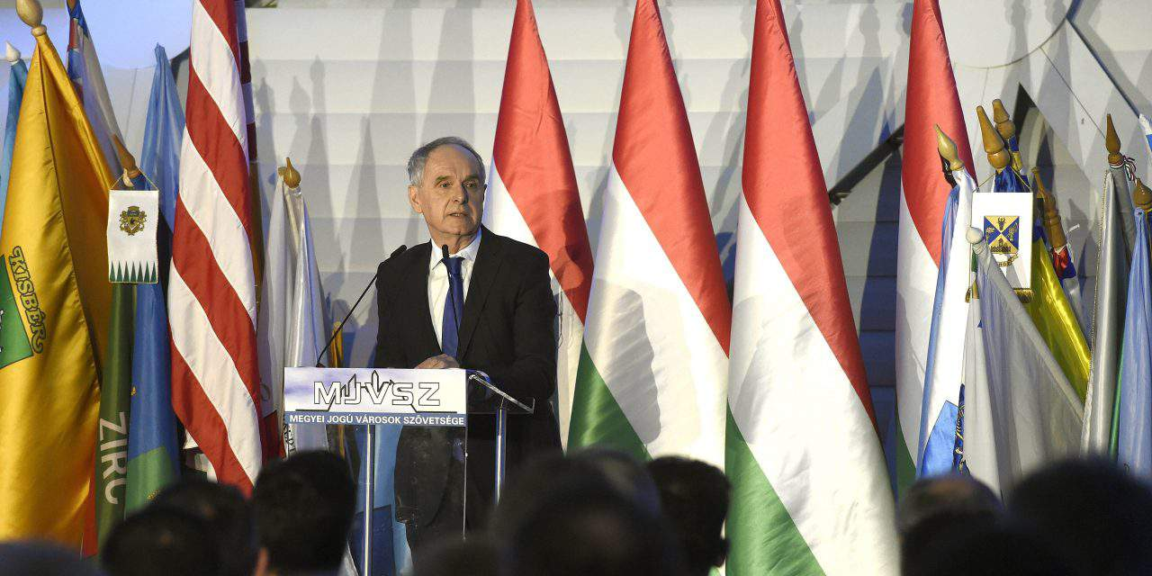 Fidesz's mayors hold conference on migration, 'Soros plan'