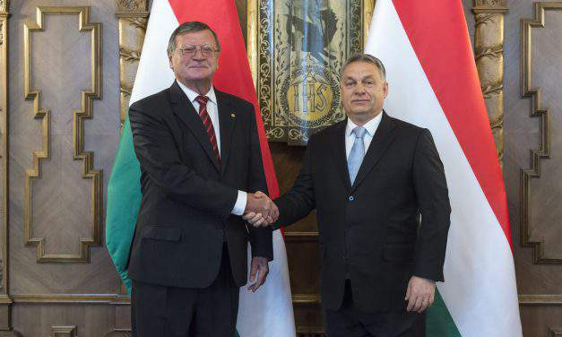 Viktor Orbán holds talks with President of European Volleyball Confederation