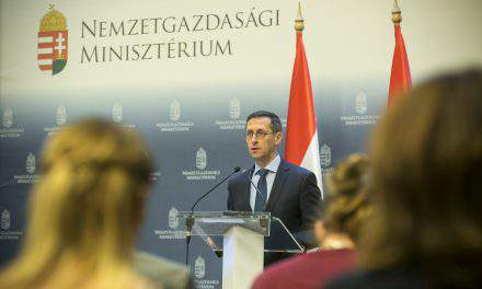 Hungarian economy ministry confirms EUR 2.8bn deficit at end-March