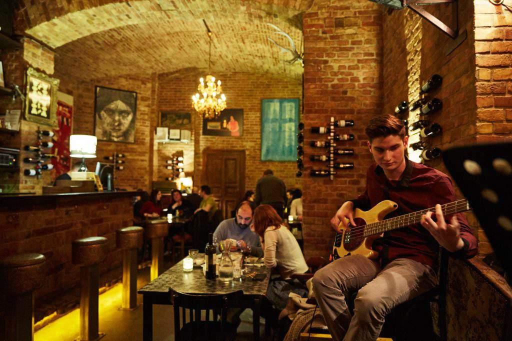 wine Budapest Doblo winery