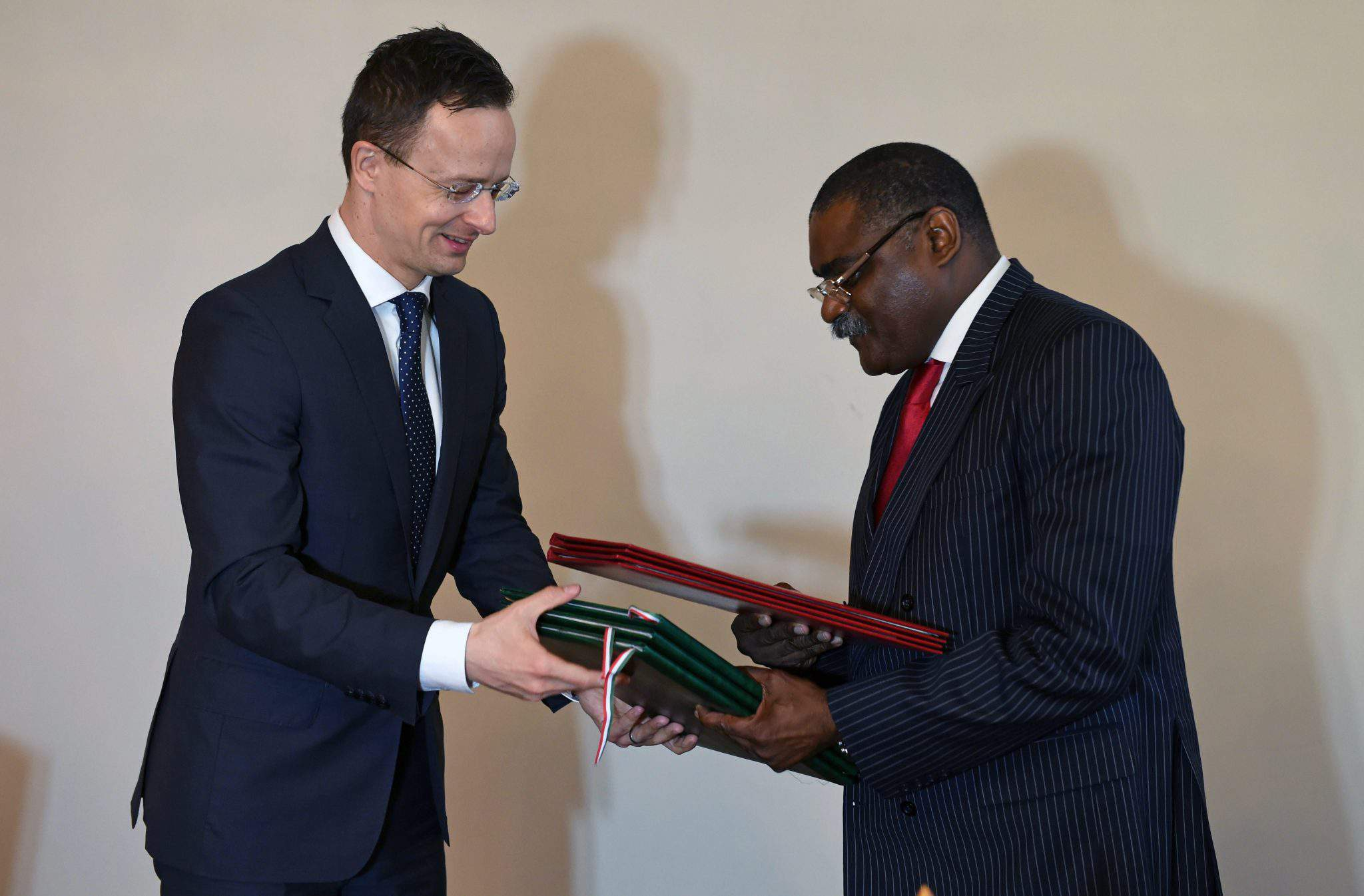 Hungary reopens embassy in Angola