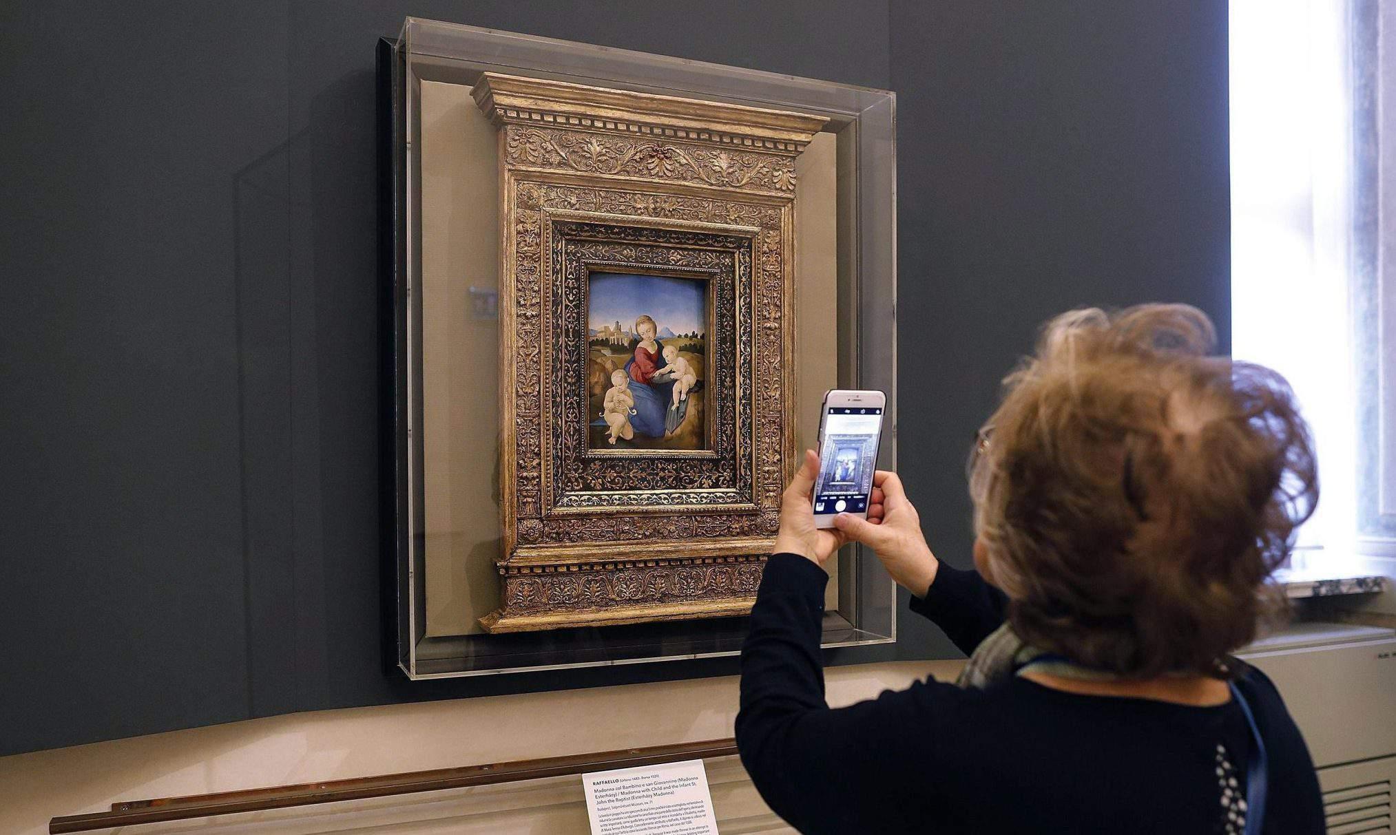 Raphael's Esterházy Madonna art hungary