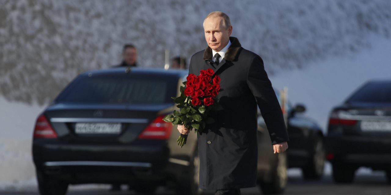 Another gesture to Putin? Ethnic Russians can become national minority in Hungary
