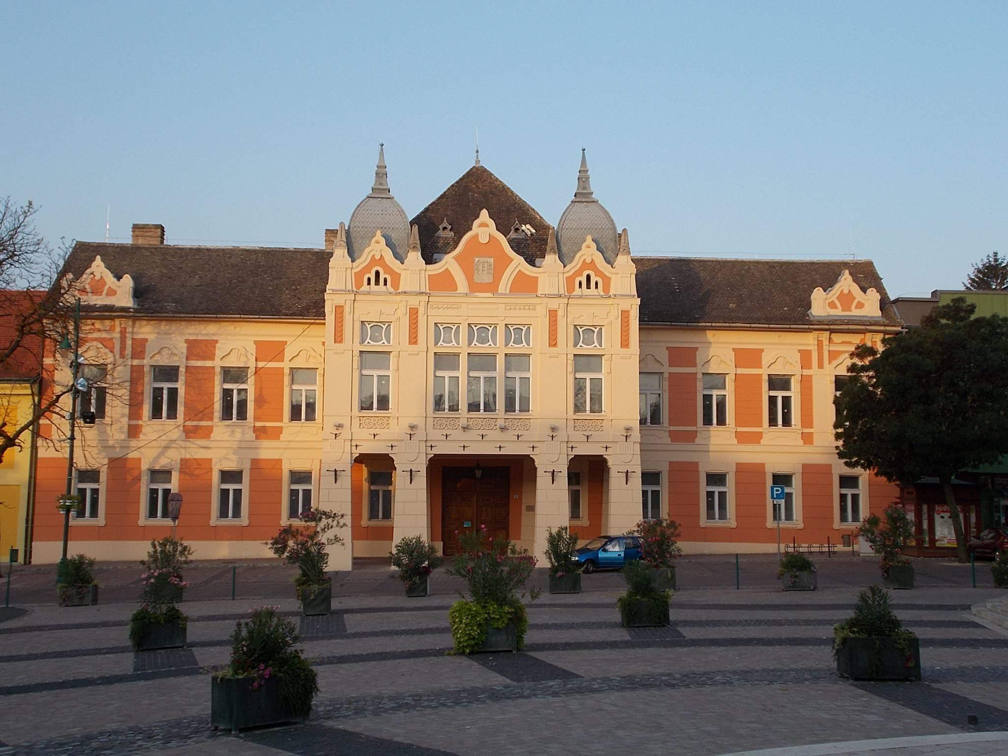 Szekszárd town city hall városháza