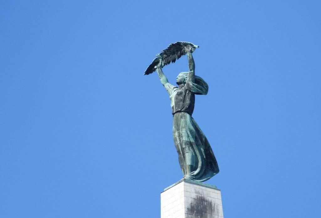 budapest citadel visit tourism