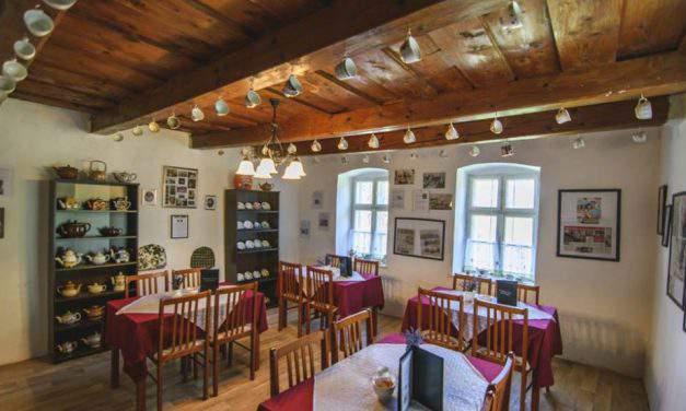 Here is a traditional English Tea shop near Lake Balaton
