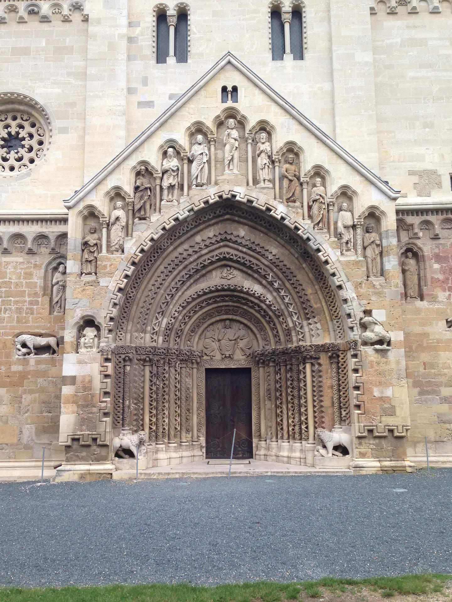 jáki templom Ják church basilica