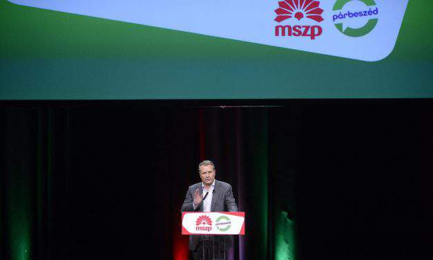 """Socialist Party approves election manifesto and promises to build a """"fair and free"""" Hungary"""