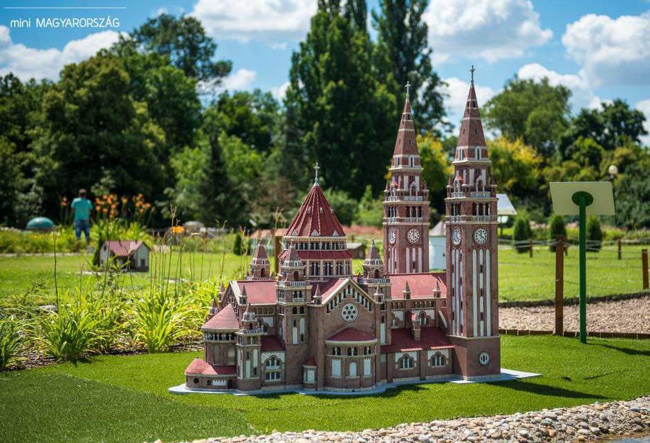 Miniature Hungary: a maquette park in Szarvas