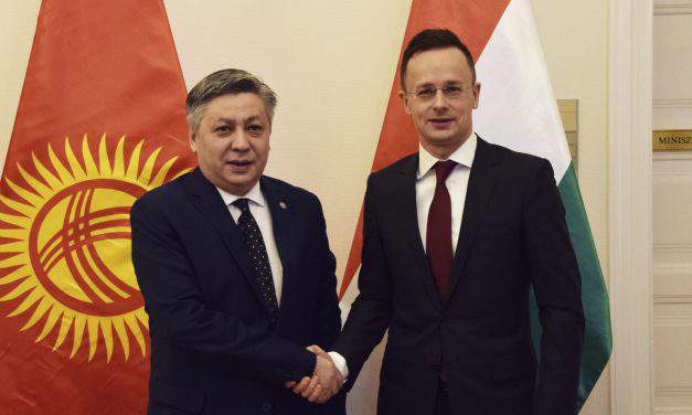 Hungarian, Kyrgyz foreign ministers hold talks