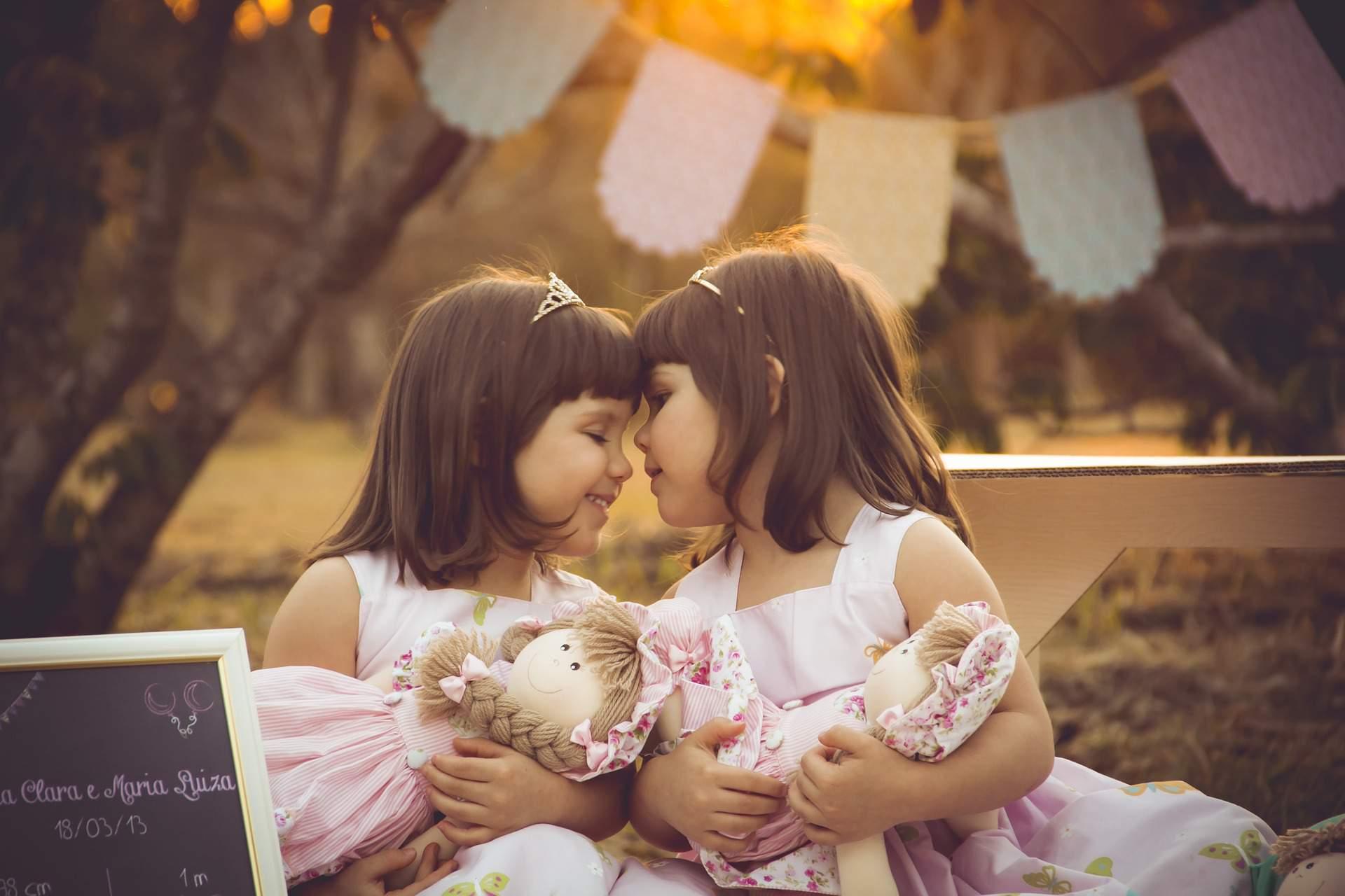 twins ikrek girl lány kids children gyerekek