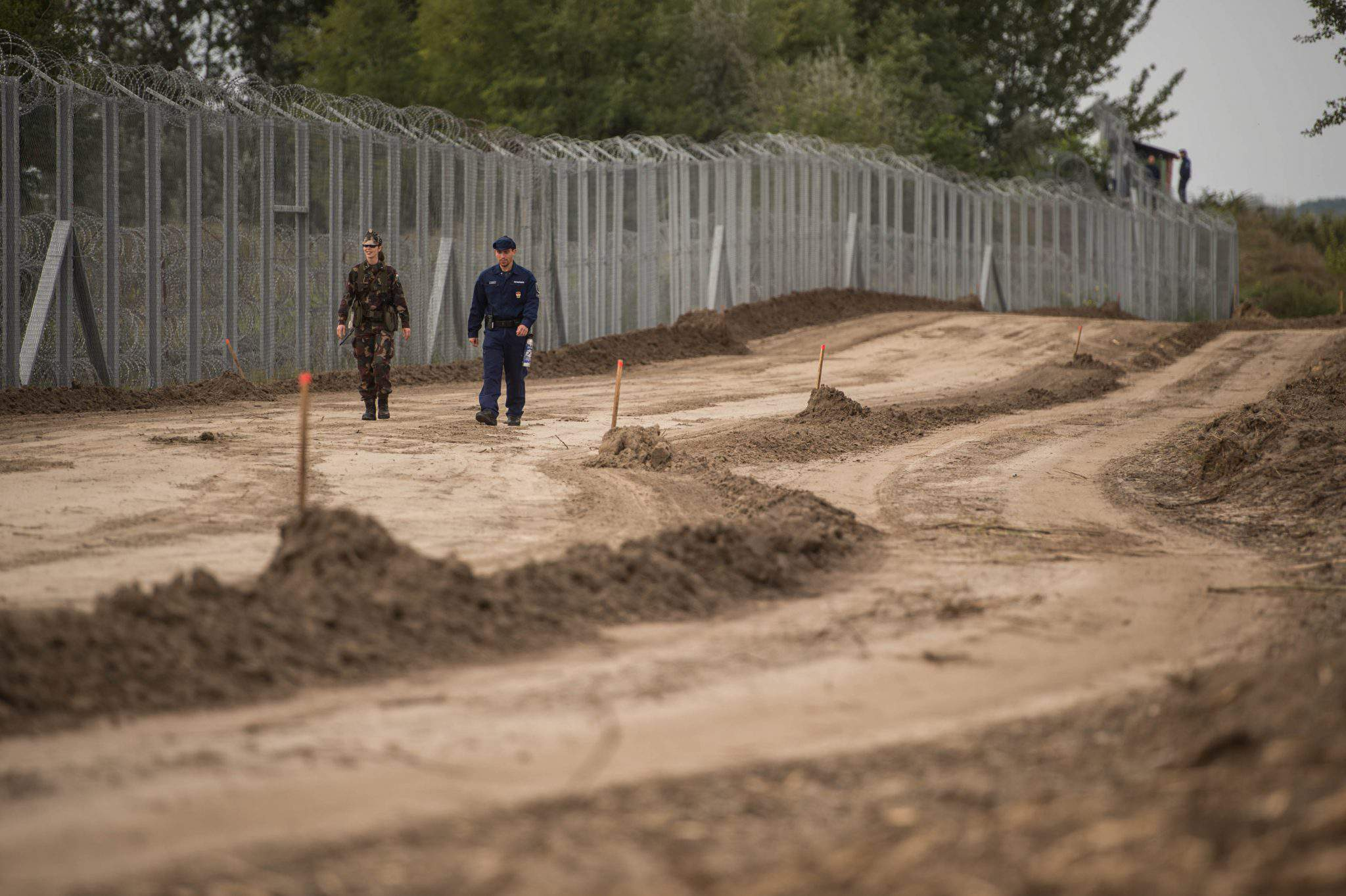 migration - Hungary border fence army