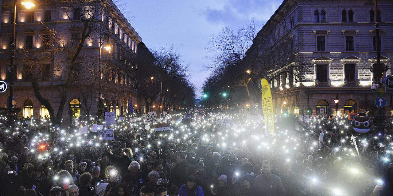 Students demonstrate for better education in Hungary