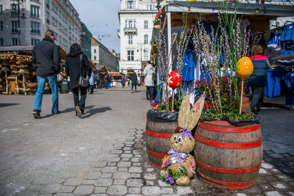 Spring Fair at Vörösmarty Square