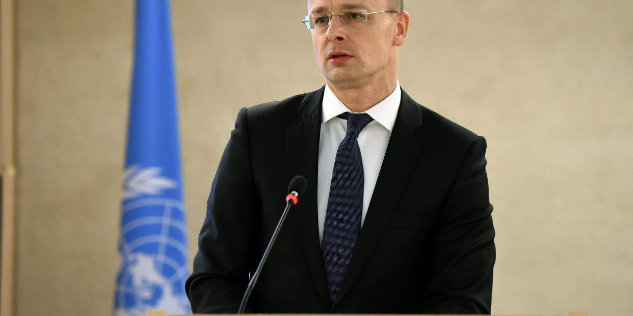 Hungarian FM: Government to submit 12-point proposal to UN migration package
