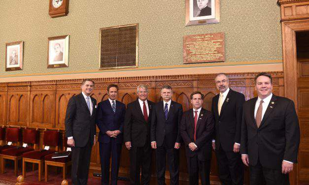 Hungarian House Speaker holds talks with US congressmen in Budapest