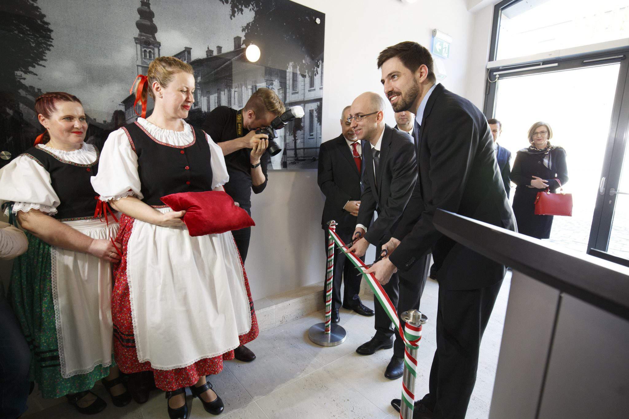 lendva lendava slovenia consulate hungarian