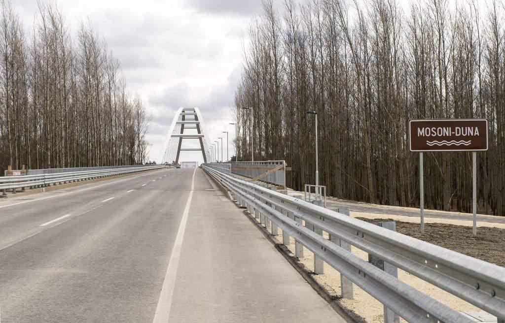 Győr híd bridge road