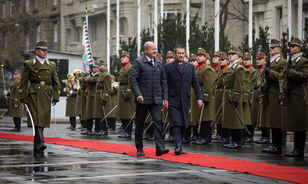 Ministers discuss strengthening of Turkish–Hungarian defence cooperation