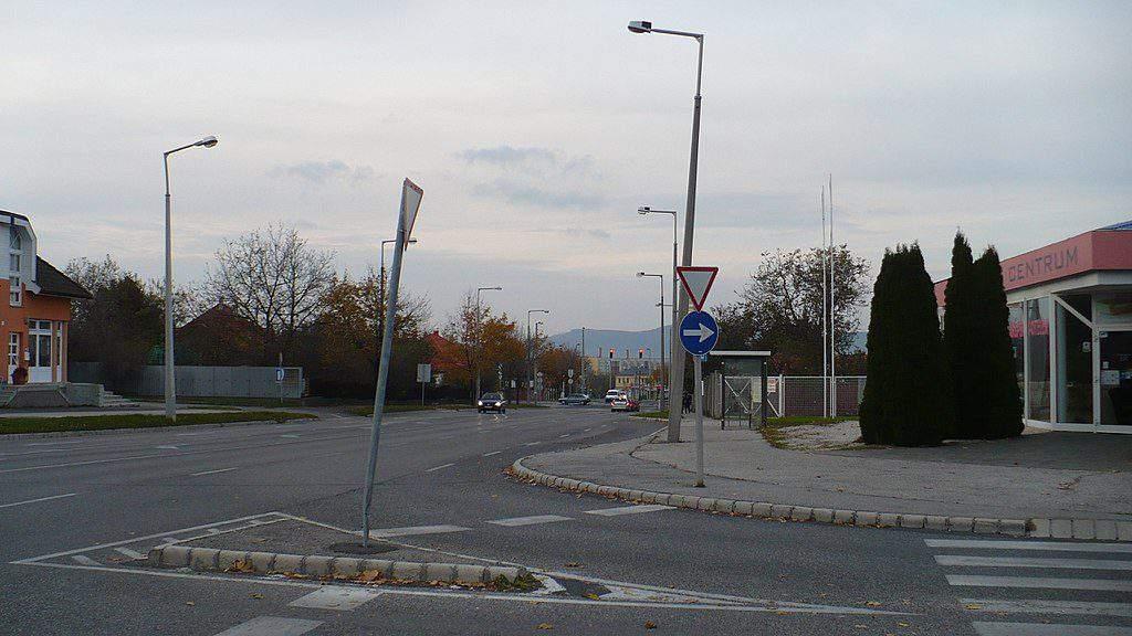 crossing intersection kereszteződés
