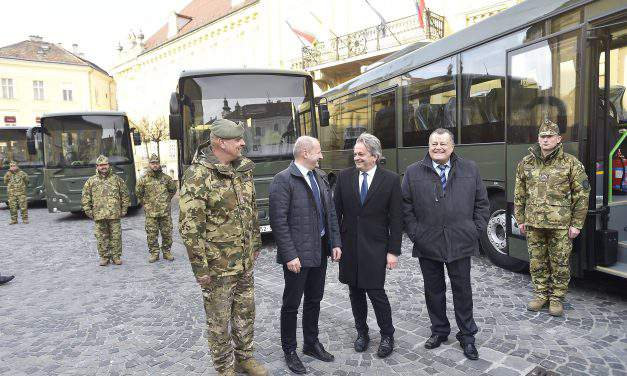 Hungarian army receives 250 new cars