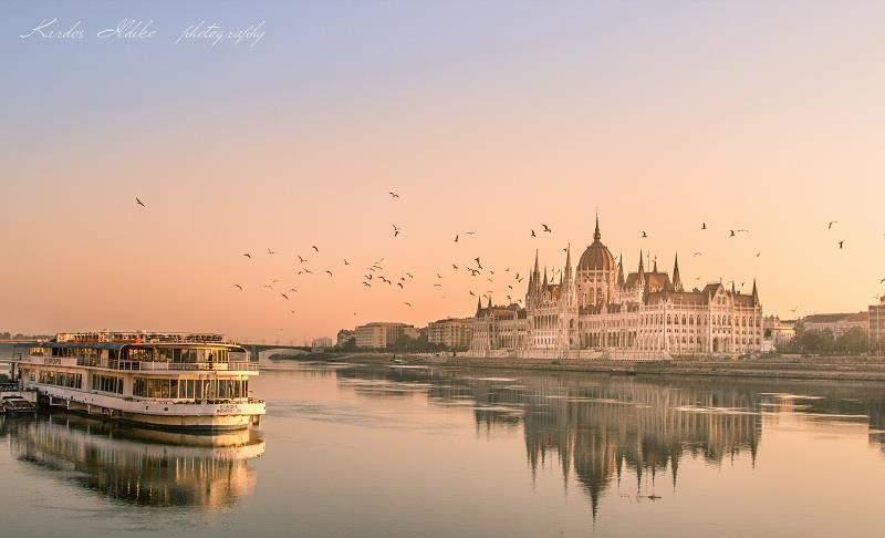 budapest parliament duna