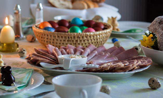 What do Hungarians eat at Easter?
