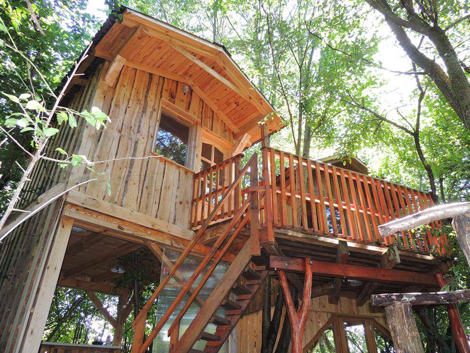 treehouse nature accommodation