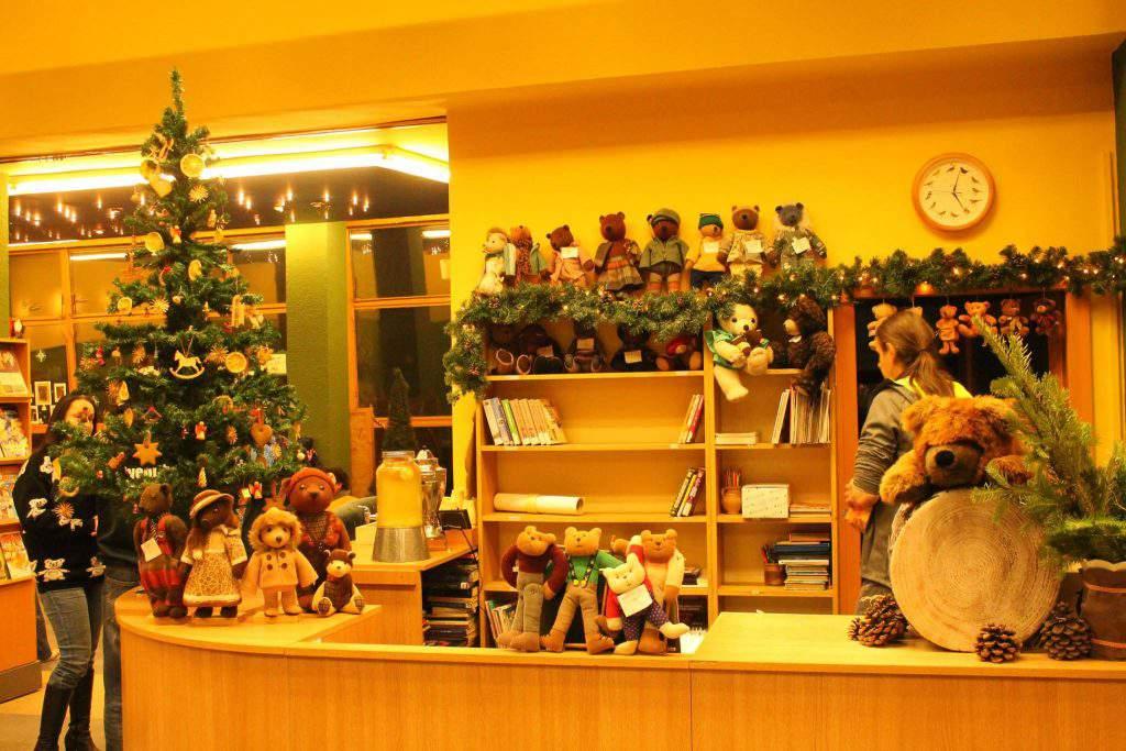 bear farm Veresegyháza zoo gift shop