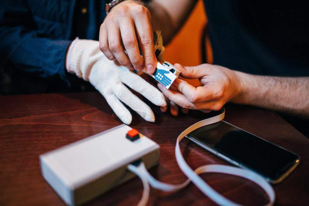 Gloveye startup blind glove Braille
