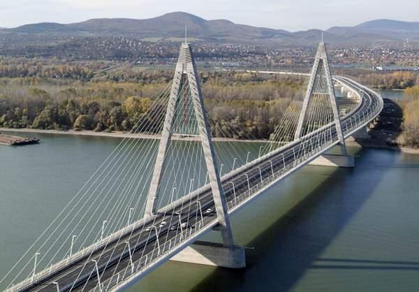 Megyeri bridge híd