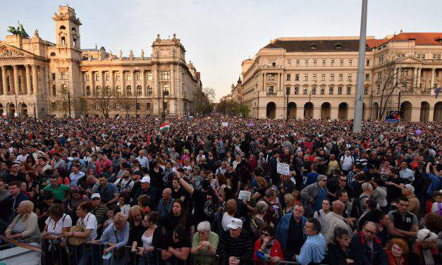Hungarian government: Saturday demonstration organised with Soros's money