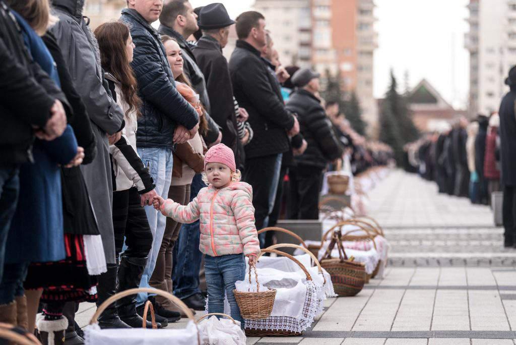 Csíkszereda, Szeklerland – Sanctification of Food, photo: MTI