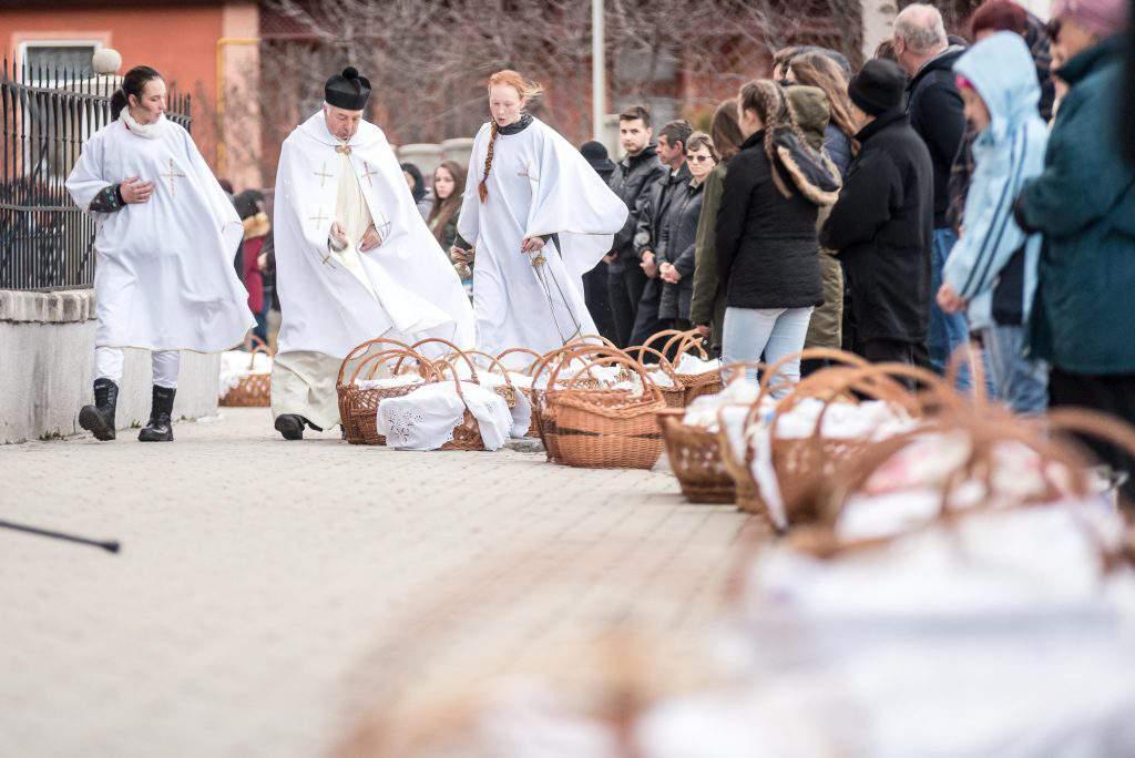 Csíkszépvíz, Szeklerland – Sanctification of Food, photo: MTI