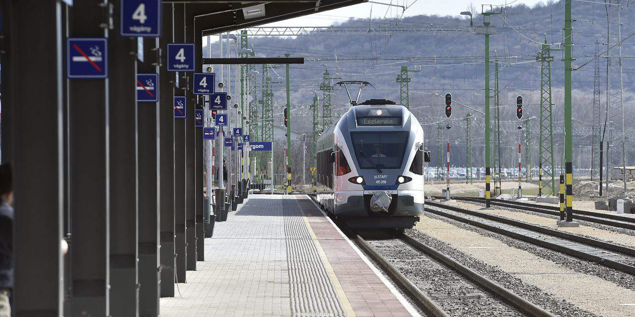 Terrible Hungarian specialty: Our trains 3.5 years late in 2017