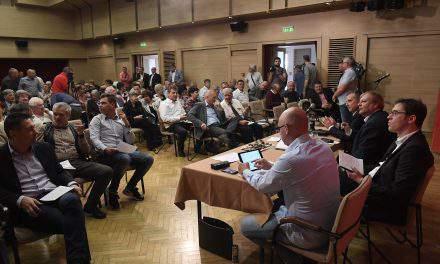 Socialists, Párbeszéd to form separate parliamentary groups