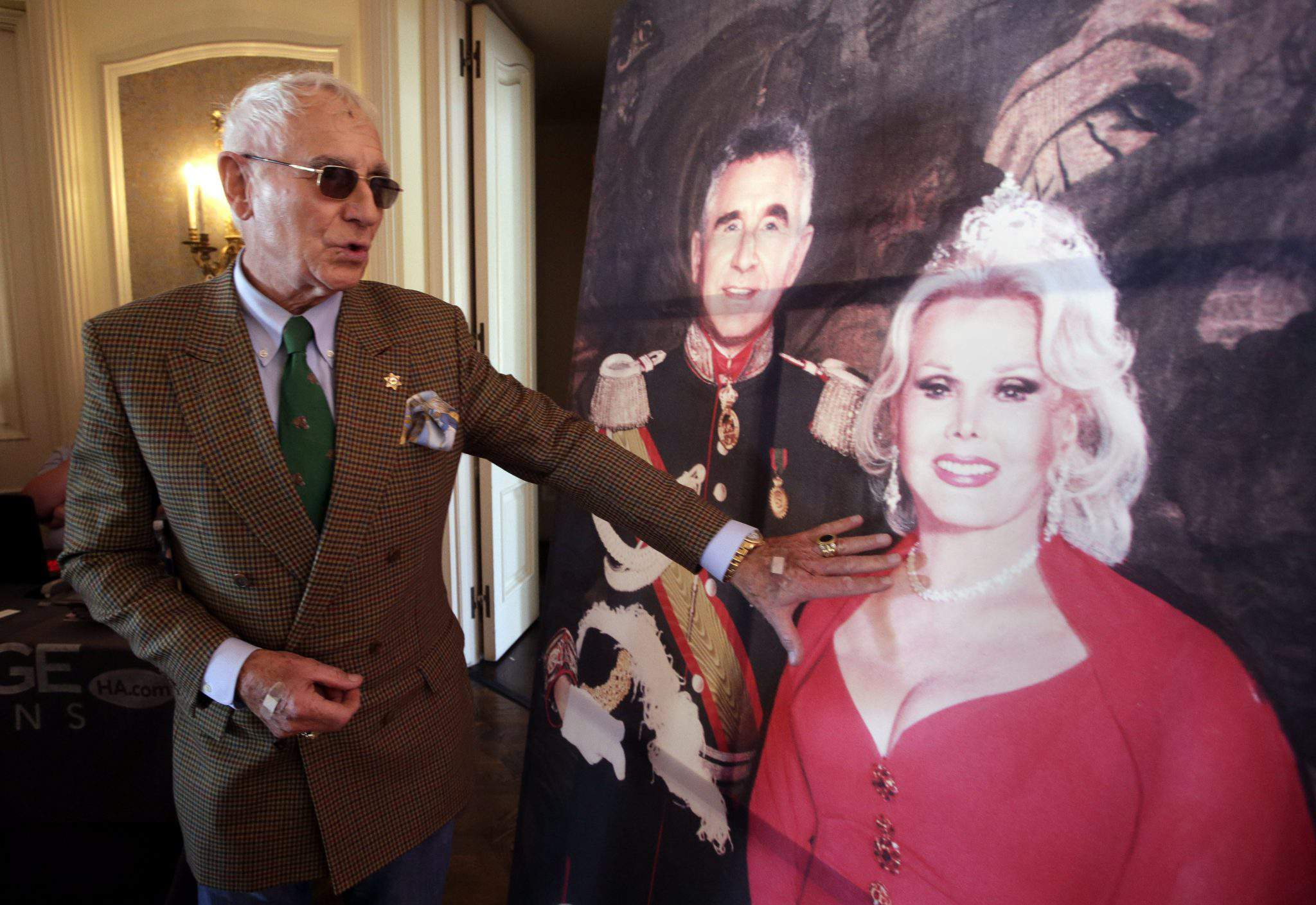 Take a look at Zsa Zsa Gábor's home and treasures