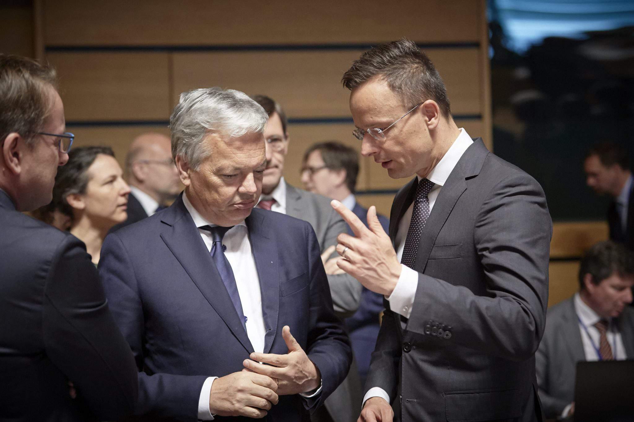 REYNDERS, Didier; SZIJJÁRTÓ Péter Hungarian Foreign Minister