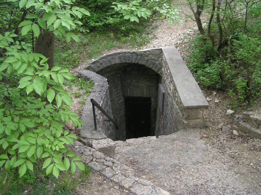 Balatonfüred Lóczy barlang cave