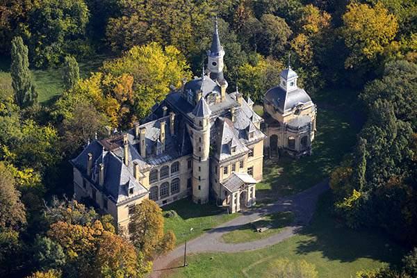 Schossberger castle kastély Tura