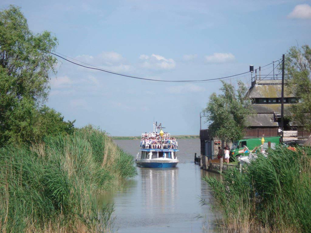 boat lake fertőd