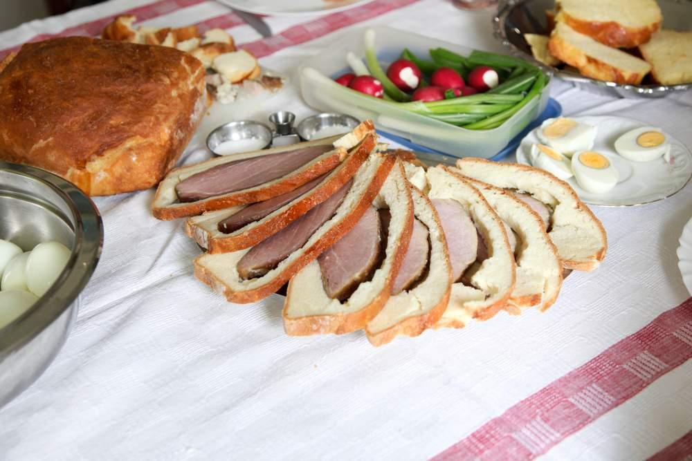 ham bread kenyér sonka easter húsvét