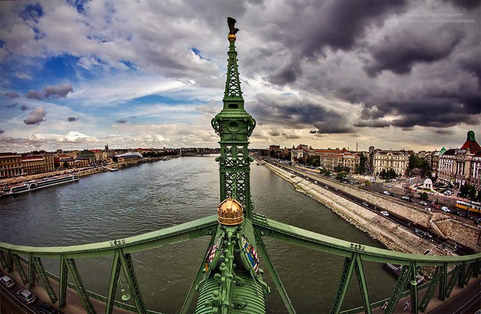 rizsavi1 liberty bridge clouds storm budapest photography