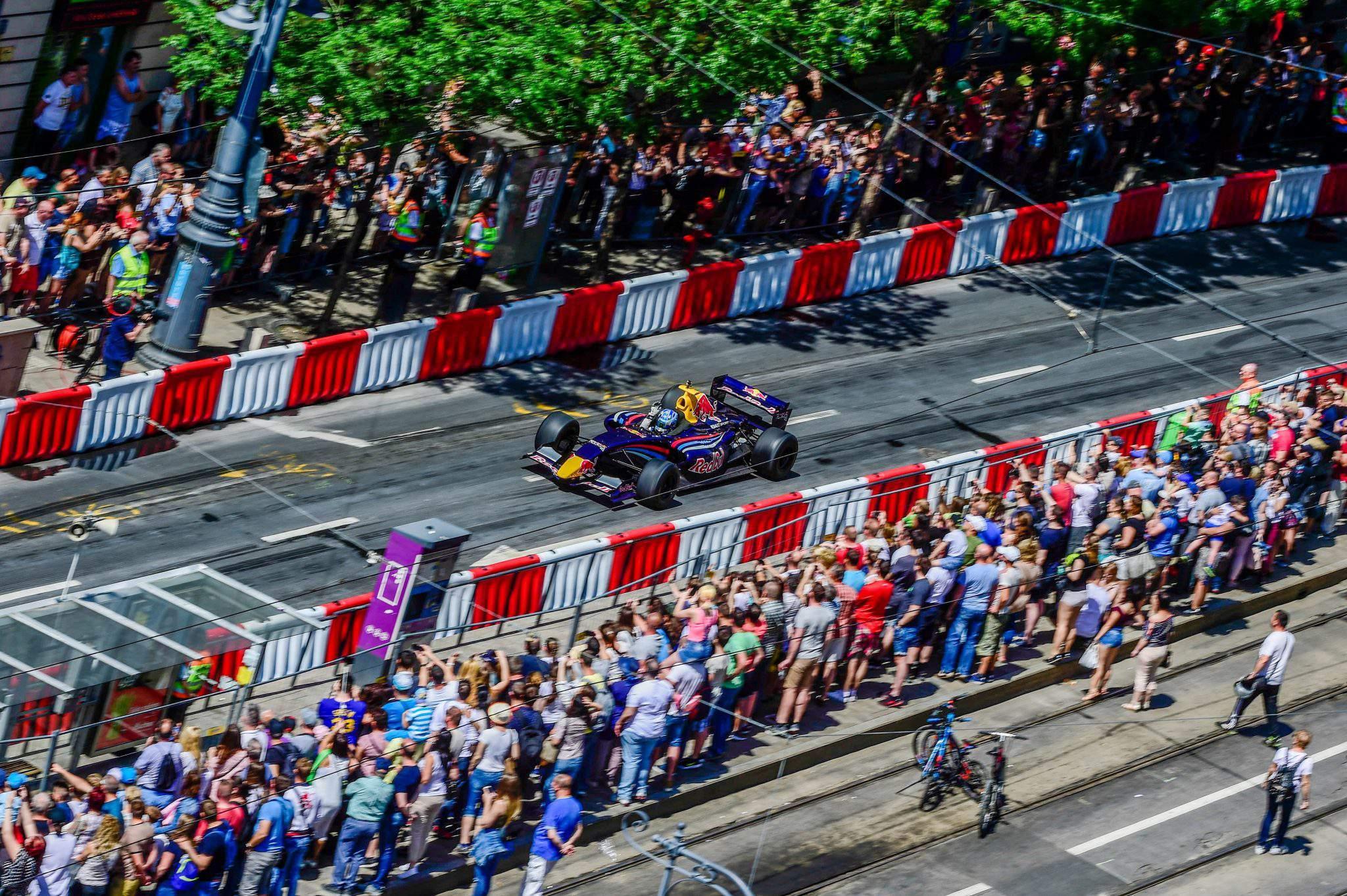 Great Race car motor show