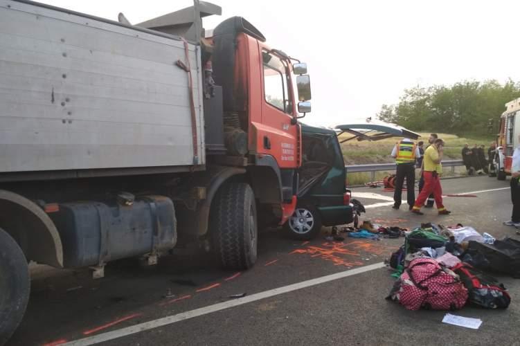 accident lorry van police