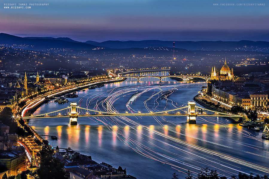 Budapest city lights tourism