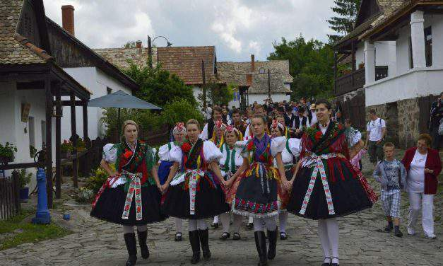 Programme guide containing the best Hungarian celebrations recommended for Pentecost