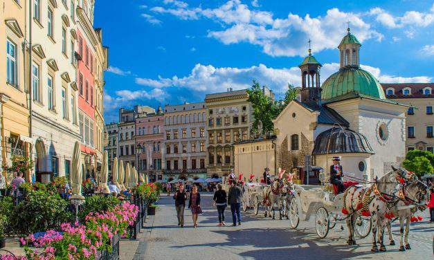 LOT launches Budapest-Krakow flight