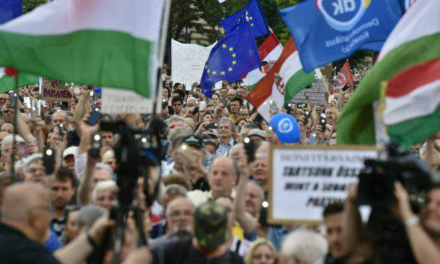 Demonstration for democracy staged at Parliament